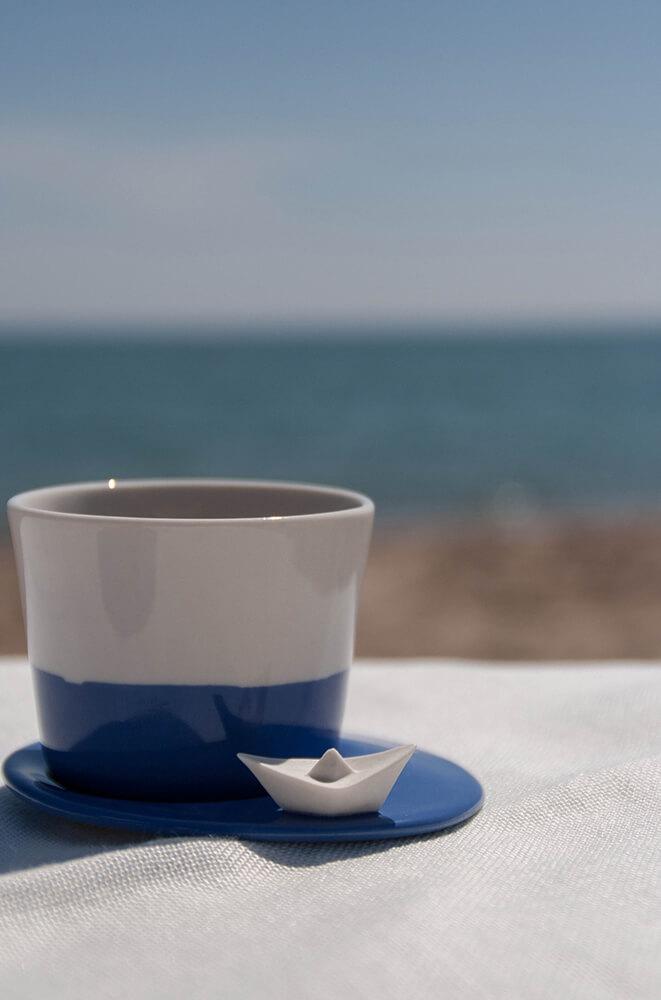 Detalle platito de taza de café de porcelana Colección Mar