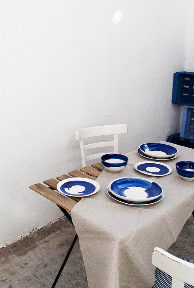 Colección Amama, vajilla de porcelana pintada a mano