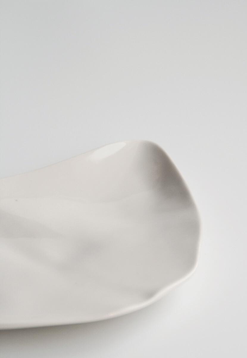 Rebeca plato porcelana colección Humana