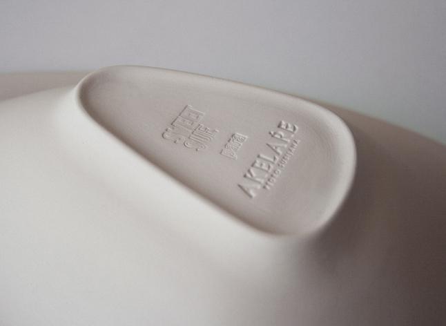 sello Sweet Sue cerámica en la base del plato Nahås