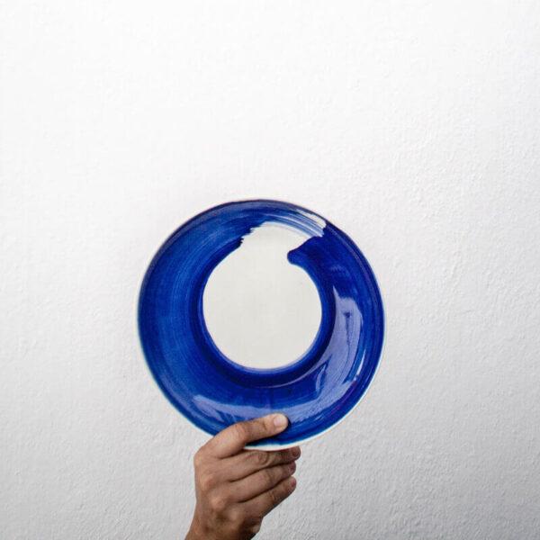 Plato hondo pintado azul cobalto Amama