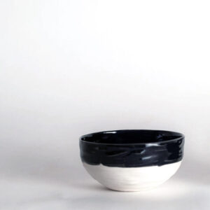 Cuenco de porcelana Oroneta en blanco y negro